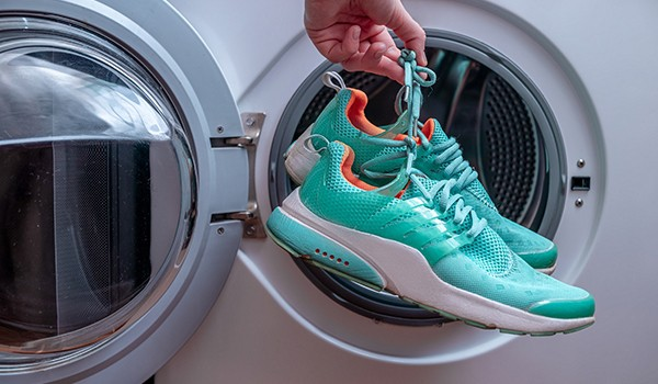 cleaning shoes in the washer